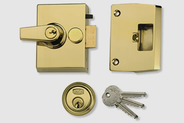 Nightlatch installation by Clapham master locksmith